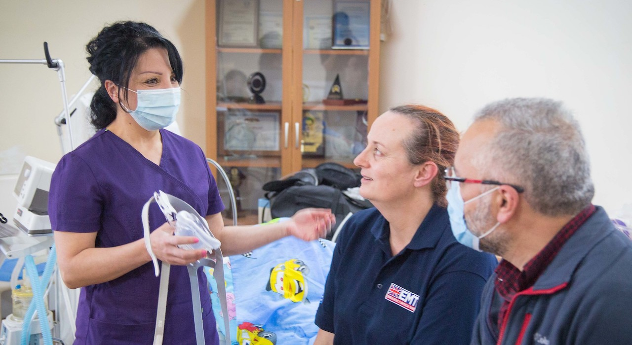 UK EMT nurse Trish McCready trains intensive care nurses at Armenia's Surb Grigor Lusarovich hospital.