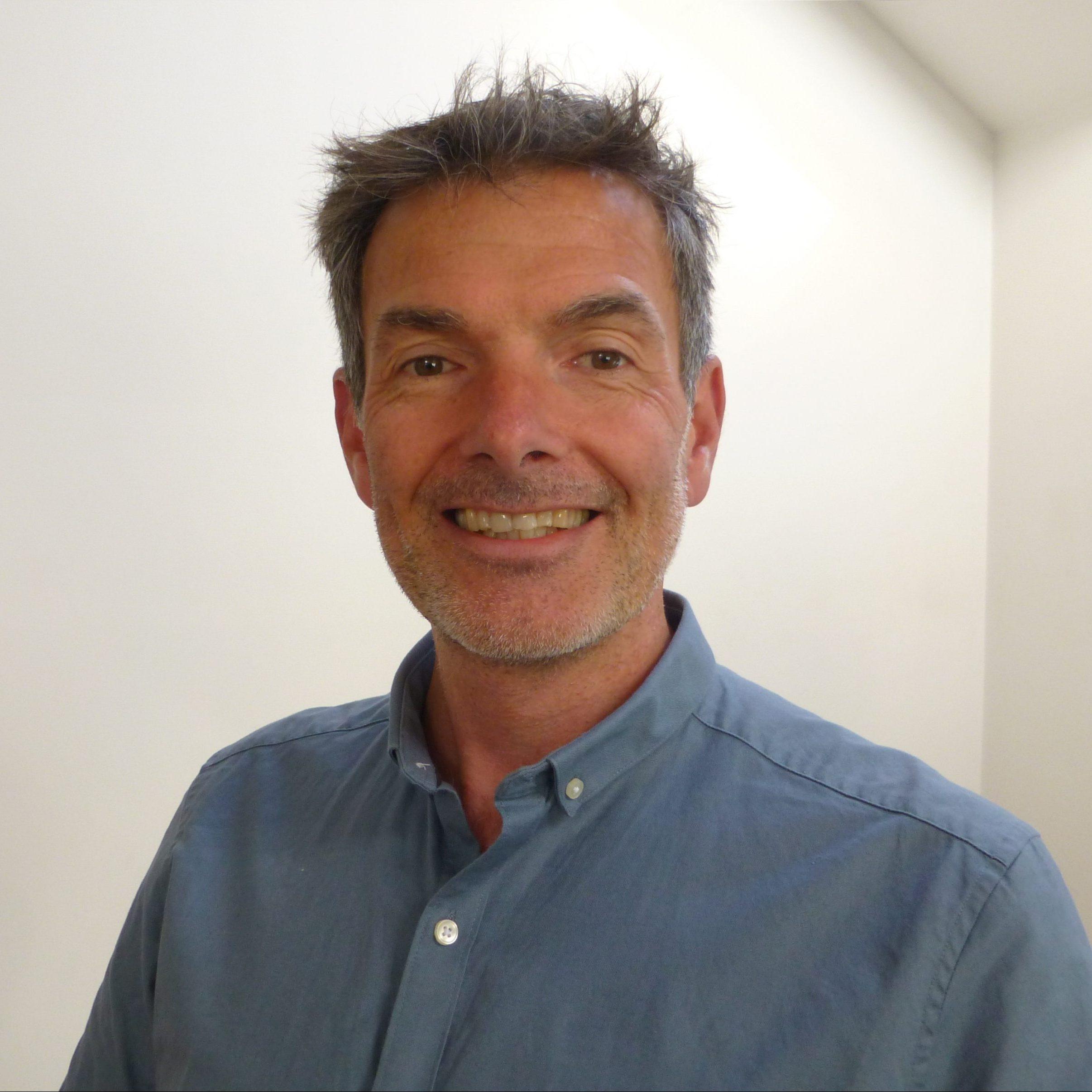 Headshot of Richard Dear.